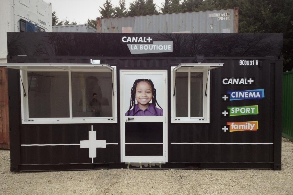 Container événementiel aménagé pour canal plus 1
