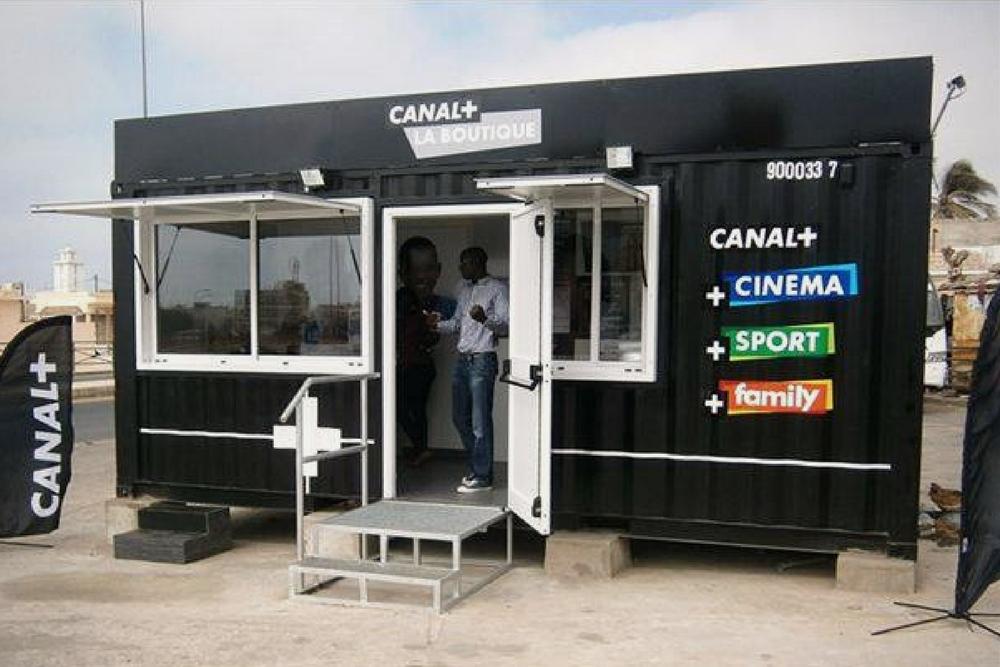 Container événementiel aménagé pour canal plus 2