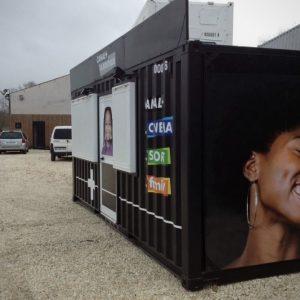 Container événementiel aménagé pour canal plus 4